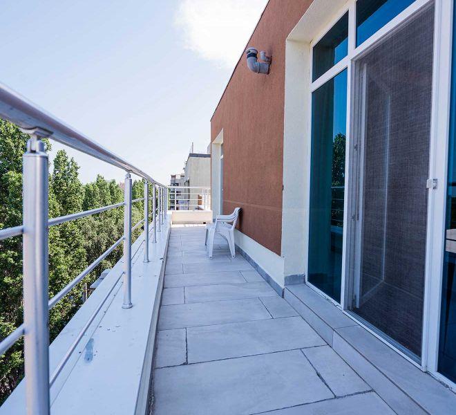 balcon-apartament-de-lux-hotel-regal-01